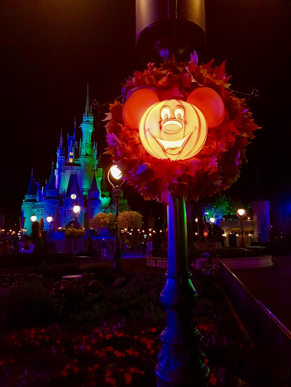 Mickey Halloween Lanterns